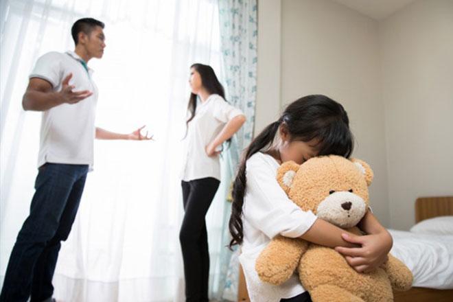 تاثیرات جبران ناپذیر طلاق بر فرزندان دختر